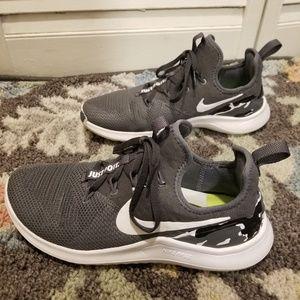 Women Camo Nike Cross Training Shoes